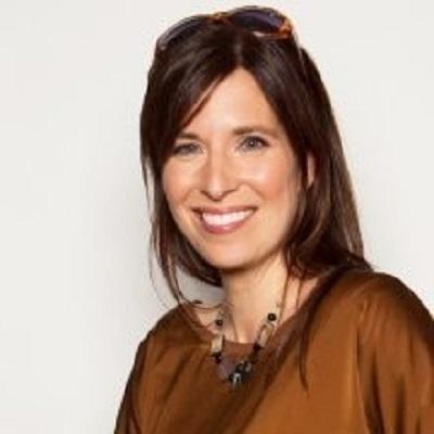Myriam Claveau, Conseillère en communication, Responsable des médias sociaux